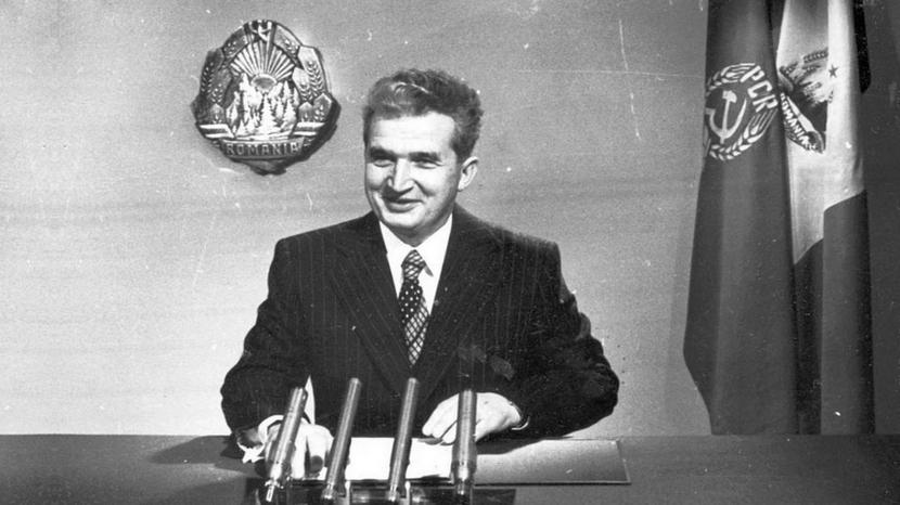 Nicolae Ceaușescu, nyårstal (foto 44670X5163X5732 lånat från Wikipedia), 25 december 2014