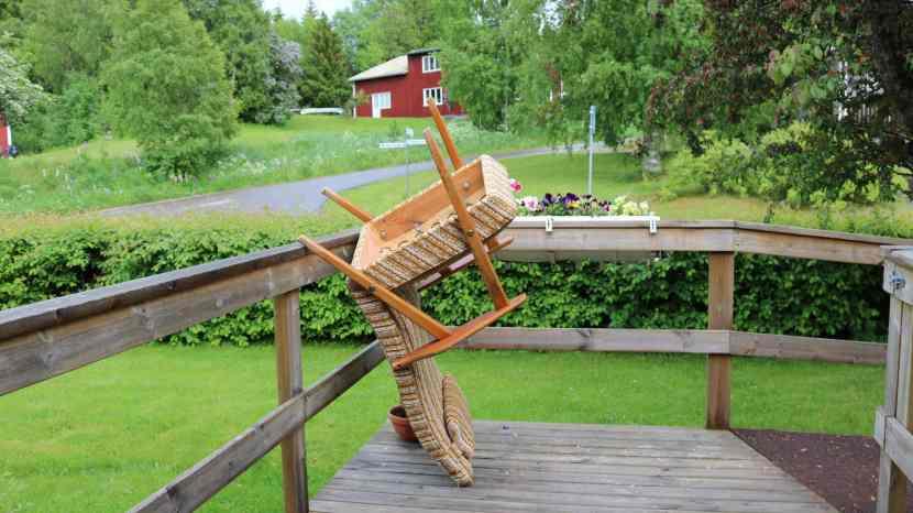 Gnarp, reparation av gammelfaster H:s stol, 18 juni 2017