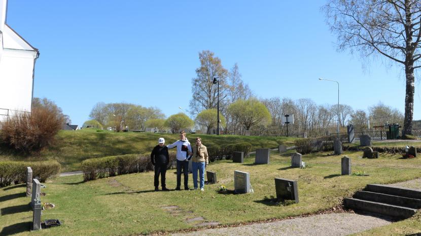 Gnarp, kyrkogården, 10 maj 2018
