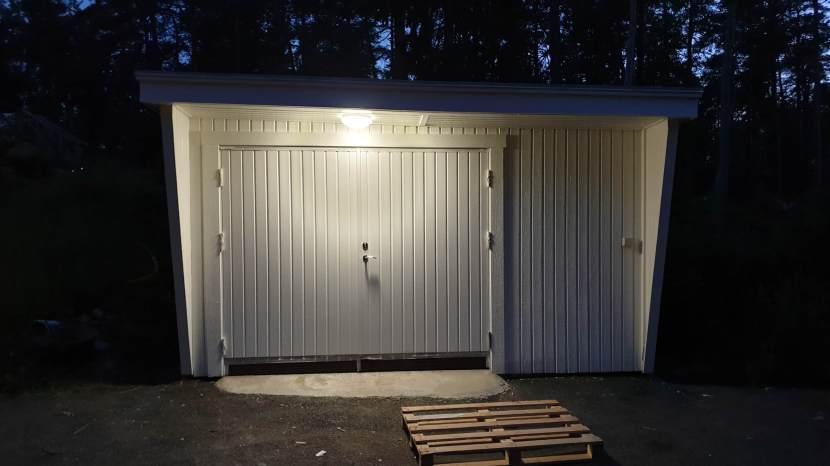 Huddinge M-vägen, garaget, 15 juni 2019
