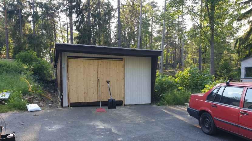Huddinge M-vägen, ny garageport, 7 juni 2019