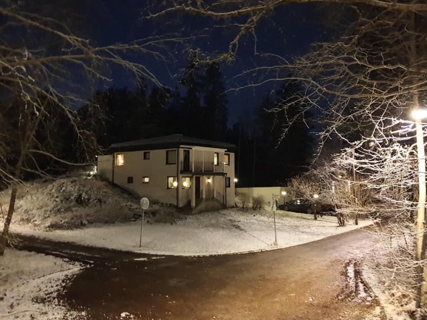 Huddinge M-vägen, snö, 29 november 2019