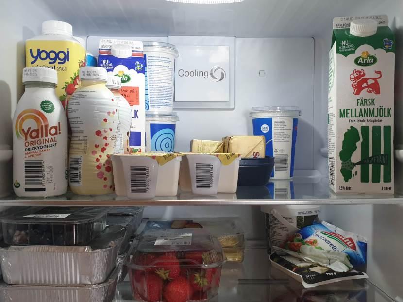 Huddinge M-vägen, kylskåpsstädning, 28 juli 2020